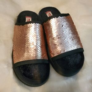 New Dearfoams Rose Gold Silver Sequin Slides